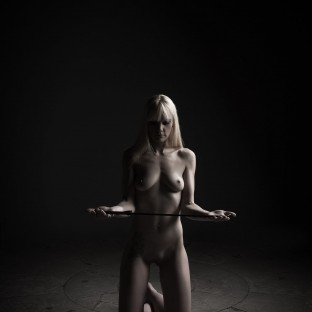 Aktofo devote Frau mit Bestrafung / 50 Shades of Grey / Hamburg