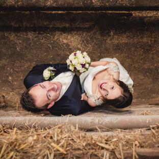 Brautpaar von oben fotografiert
