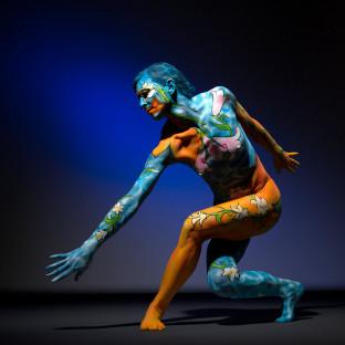 Bodypainting-Pose Frau / Bodypaint von Leonie Gene