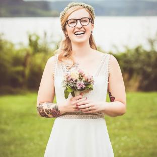 Schöne Braut am Seehotel Töpferhaus - von Hochzeitsfotograf Chris Reiner