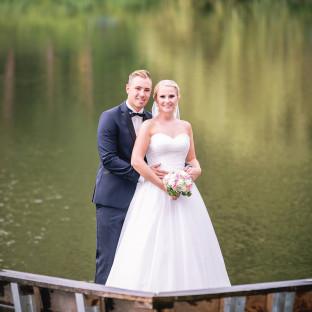Schönes Hochzeitsfoto am See in Hamburg