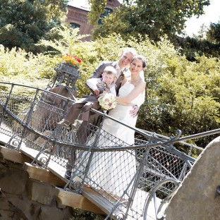 Brautpaar beim Hochzeitsshooting in Bergedorf