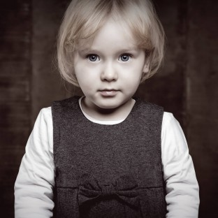 Mystisch wirkendes Kind