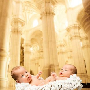 Babyfoto von Chris Reiner, Zwillinge im Fotostudio